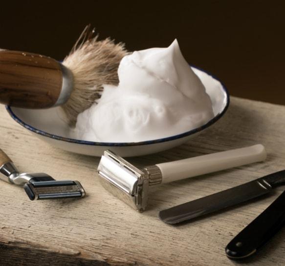 Rasage-Classique-Savon-rasage